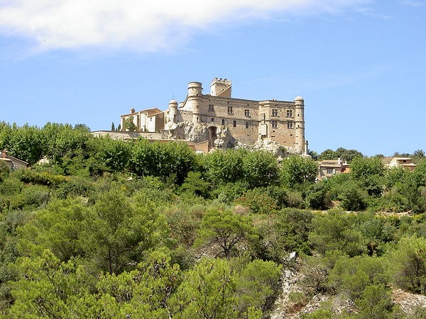 chateau barroux provence self guided walking